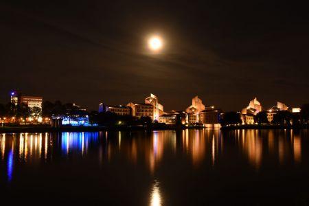 Maastricht by night - gemeentehuis achterkant