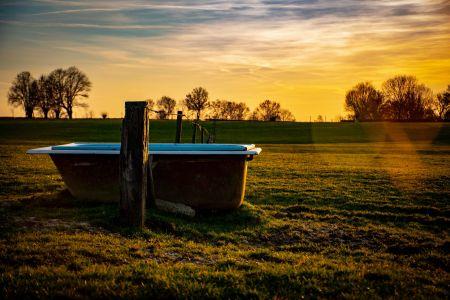 Bath-tub 1